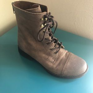 Born lace up boots